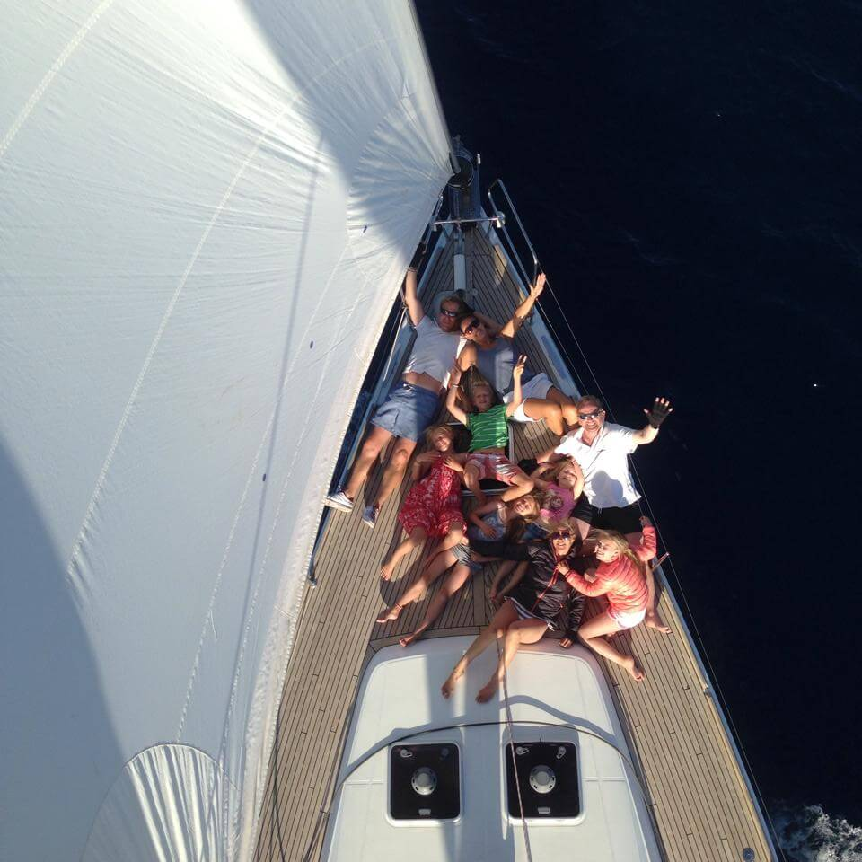 top-7-reasons-why-a-fully-crewed-yacht-charter-is-the-right-choice-for-your-sailing-holiday-in-croatia