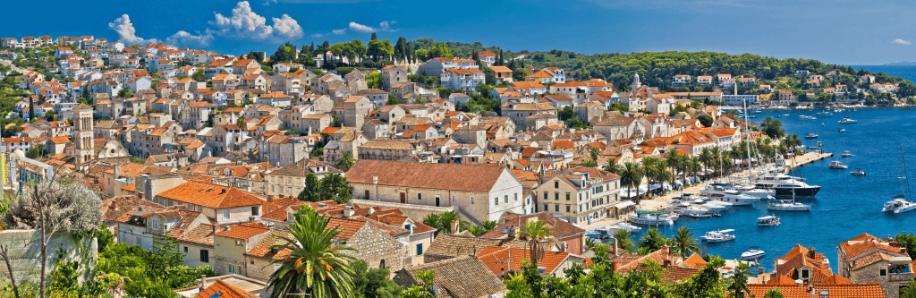 With more than 2,800 hours of sunlight every year, Hvar is steeped in the kind of Adriatic weather that vacationers crave when they book their trips. What should you see and do while you are here? Here are our top recommendations for active travellers.