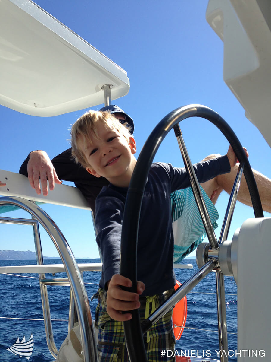 learning-kids-how-to-sail