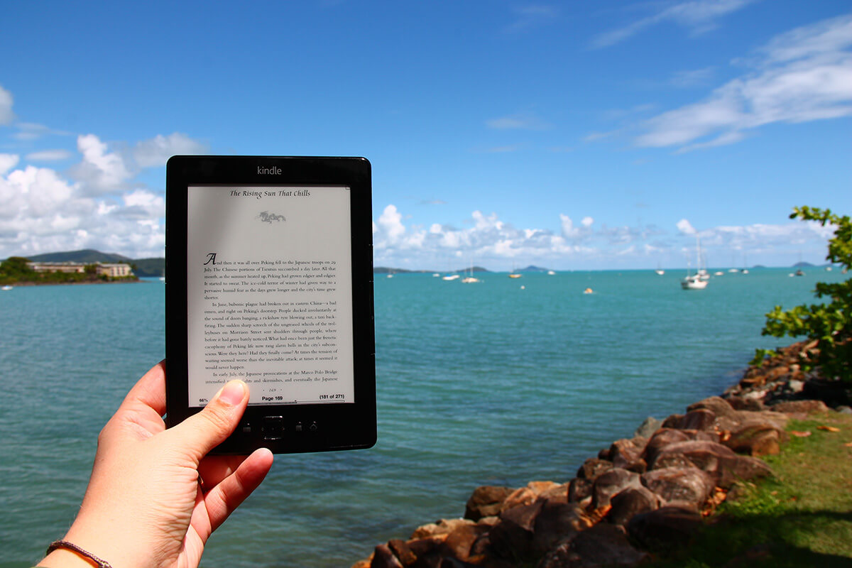 how-to-pack-for-sailing-vacation-bring-kindle