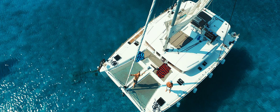 Top 7 Reasons Why a Fully Crewed Yacht Charter is the Right Choice for Your Sailing Holiday in Croatia