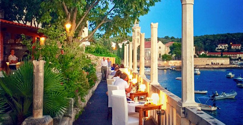 where-to-eat-on-island-hvar-restaurant-divino