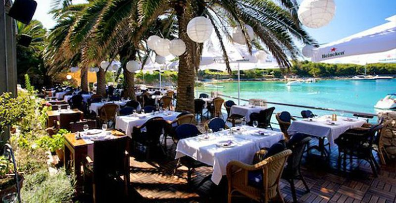 where-to-eat-on-island-hvar-restaurant-zori-palmizana