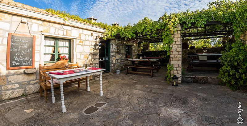 where-to-eat-out-in-korcula-croatia-konoba-ranch-maha