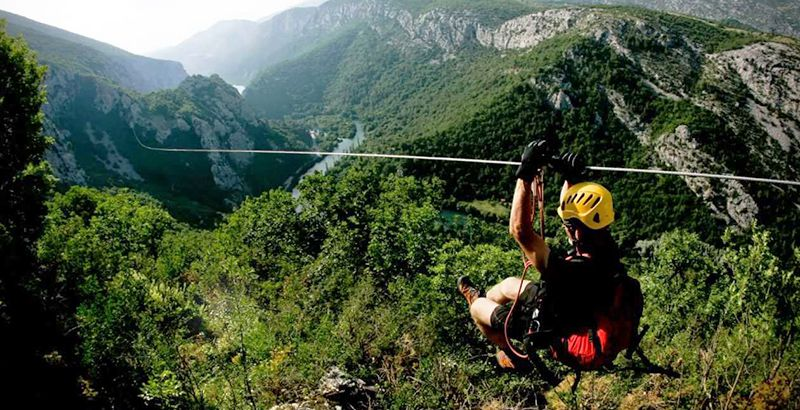zipline-omis-croatia-sailing-holiday