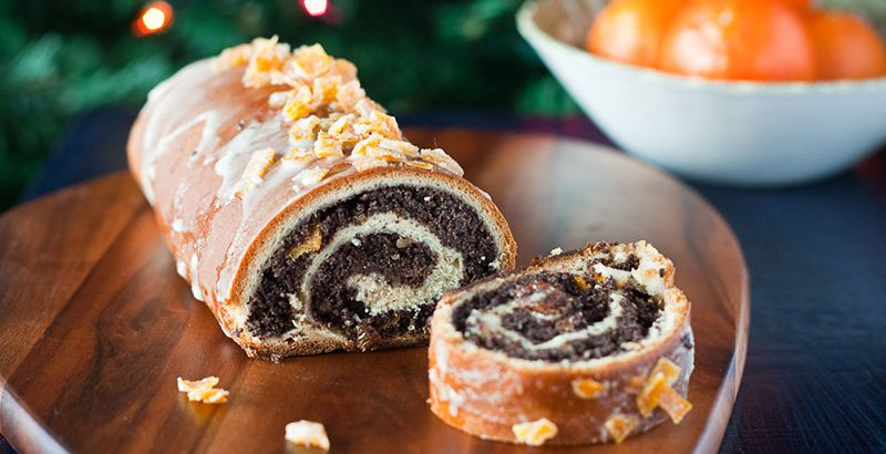 guide-to-croatian-sweets-poppy-seed-roll