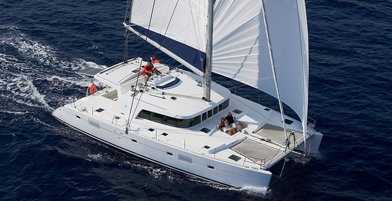 Choose-the-Right-Vessel-For-Your-Sailing-Vacation-Why-Choose-Catamaran