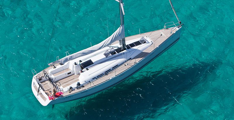 Choose-the-Right-Vessel-For-Your-Sailing-Vacation-Why-Choose-Monohull-SailBoat-