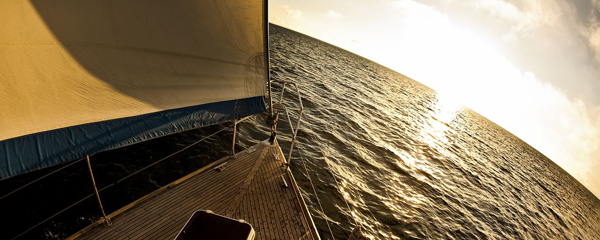 Learn to Sail: Where to Start and Essential Skills for Bareboat Sailing