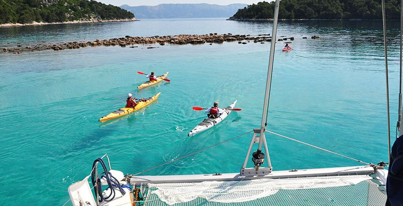 sup-kayak-sailing-with-kids-croatia