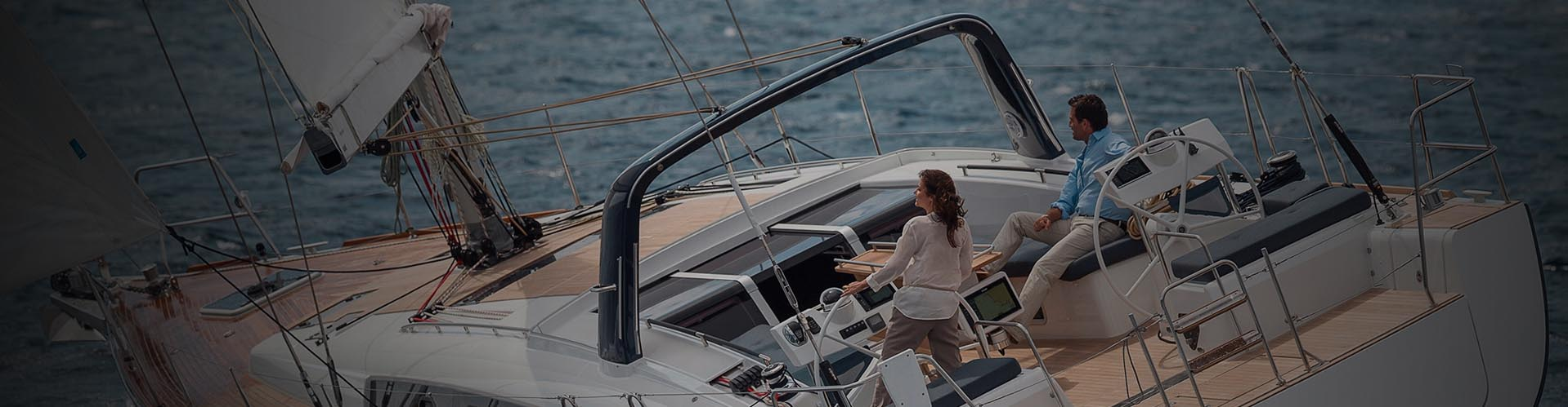Yachtcharter mit Skipper und viel mehr… Wir machen Ihren Segelurlaub einfach und angenehm.
