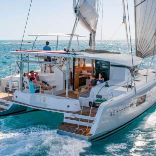Catamarans Lagoon 42 - 4 + 2 cab. Grand Tour