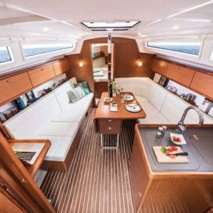 Sailing yachts Bavaria Cruiser 34 Whisk