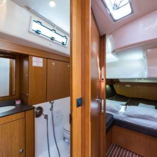 Sailing yachts Bavaria Cruiser 56 - 5 + 1 cab. Breathless
