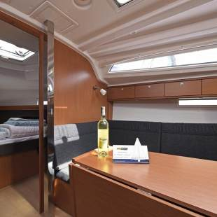 Sailing yachts Bavaria Cruiser 37 - 3 cab. Nancy