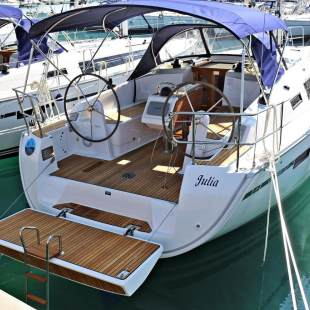 Sailing yachts Bavaria Cruiser 37 - 3 cab. Julia