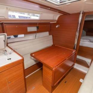 Sailing yachts Dufour 335 GL Pippi