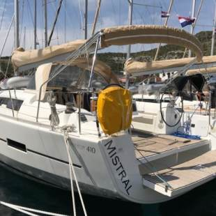 Sailing yachts Dufour 410 GL Mistral