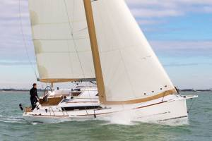 Sailing yachts Dufour 350 GL Wave