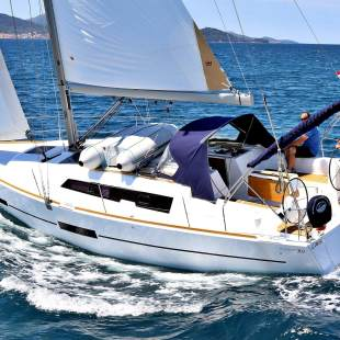 Sailing yachts Dufour 382 GL Thelma