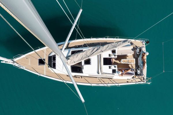Sailing yachts Dufour 390 GL Why Not 16