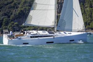 Sailing yachts Dufour 430 GL TBA