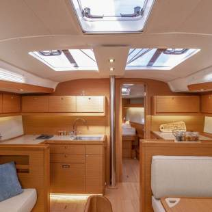 Sailing yachts Dufour 430 GL Friendship