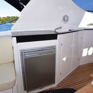 Motor boats Focus Power 33 Hard Top M/y Orange