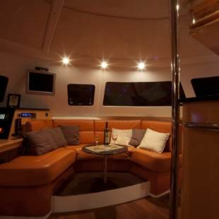 Catamarans Fountaine Pajot Eleuthera 60 THUNDERSTORM (crewed)