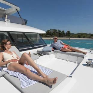 Catamarans Fountaine Pajot MY 44 - 3 + 1 cab. Alpha Centauri