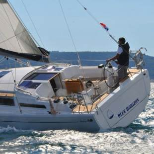 Sailing yachts Hanse 345 Blue Horizon