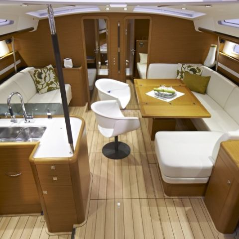 Sailing yachts Jeanneau 57 Champagne