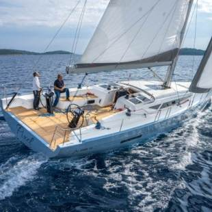 Sailing yachts More 55 Solid White