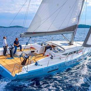 Sailing yachts More 55 Black Pirat