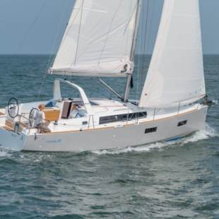 Sailing yachts Oceanis 38 - 3 cab. Happy