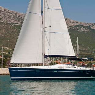 Sailing yachts Oceanis Clipper 393 Hawk