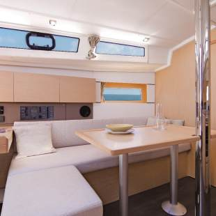Sailing yachts Oceanis 38.1 Cabaret Voltaire