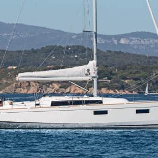 Sailing yachts Oceanis 38.1 Prodigy