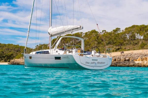 Sailing yachts Oceanis 41.1 The Salt Shaker
