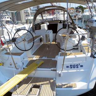 Sailing yachts Sun Odyssey 379 Sus2