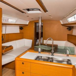 Sailing yachts Sun Odyssey 389 Sound of Silence