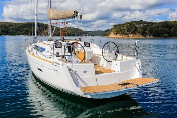 Sailing yachts Sun Odyssey 389 - 2 cab. Sissi