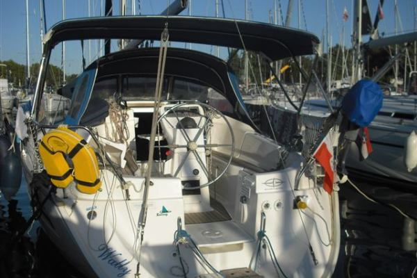 Sailing yachts Bavaria 32 Wally