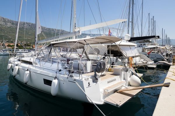 Sailing yachts Oceanis 51.1 - 3+1 cab. MAMAMIA (WITH AC&GENERATOR OWNER VERSION)
