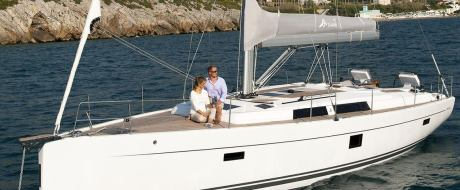5 Reasons You Should Choose Hanse 445 For Your Sailing Holiday With Family and Friends