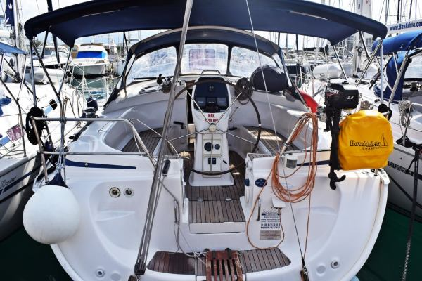 Sailing yachts Bavaria 39 Cruiser Blaca