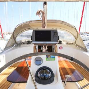 Sailing yachts Bavaria Cruiser 33 Ghost One