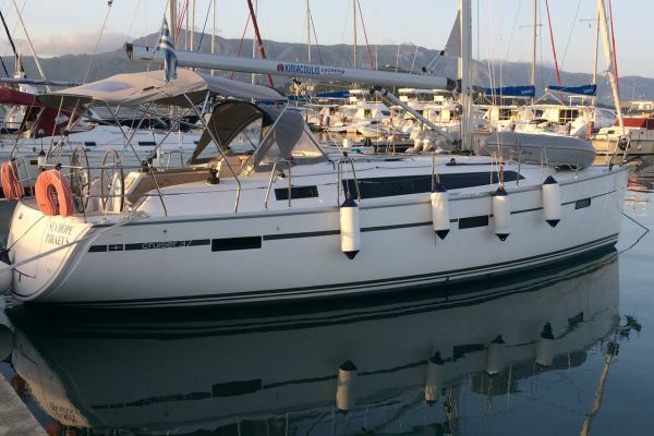 Sailing yachts Bavaria Cruiser 37 - 3 cab. Sea Hope