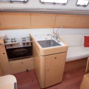 Sailing yachts First 35 Ops