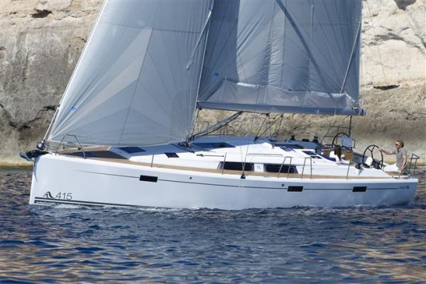Sailing yachts Hanse 415 take a break